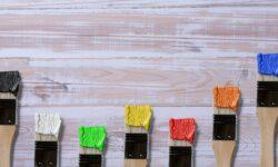 verniciare il legno a colori