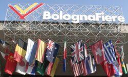 Bologna Fiere ingresso bandiere