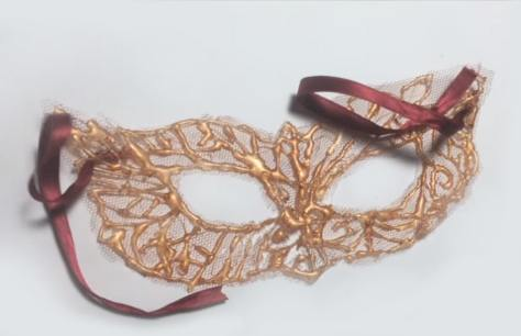 La maschera fai da te in pizzo per carnevale  f983d2dd9514