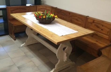 Tavolo Bianco Decape.Restauro E Decape Per Un Tavolo Da Taverna Bricoliamo