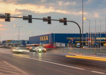 Ikea al tramonto