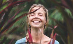 sorriso tra le piante
