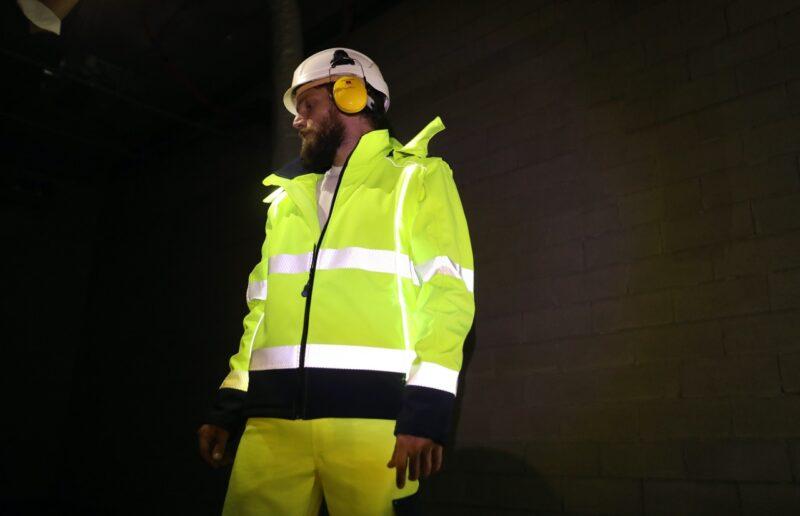 giacca luminosa di sicurezza