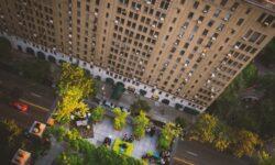 terrazzo verde in città