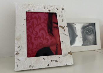 portafoto rivestito in carta autoprodotta