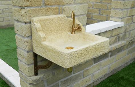 Un acquaio in pietra ricostruita bricoliamo - Lavelli in pietra da giardino ...