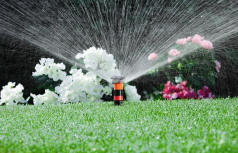 Installare Un Impianto Di Irrigazione Senza Danneggiare Il Prato