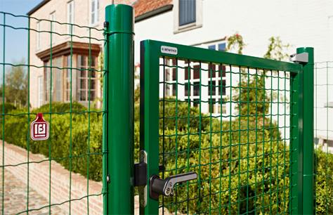Nuovo design per il cancello fortinet bricoliamo for Cancelletti per cani da esterno